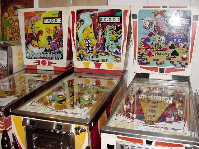Pinball Collector Buys Pinball Machines Baseball Em