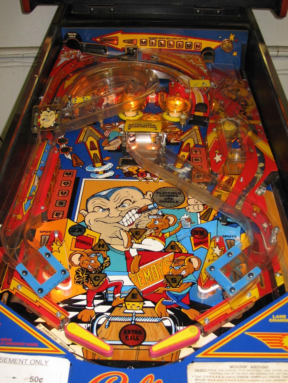 bally  williams mousin around pinball