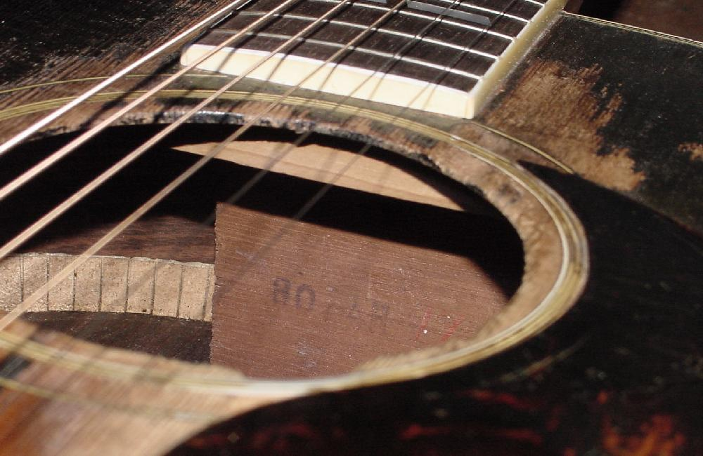 Gibson SJ guitar Gibson Southern Jumbo guitar Gibson S-J