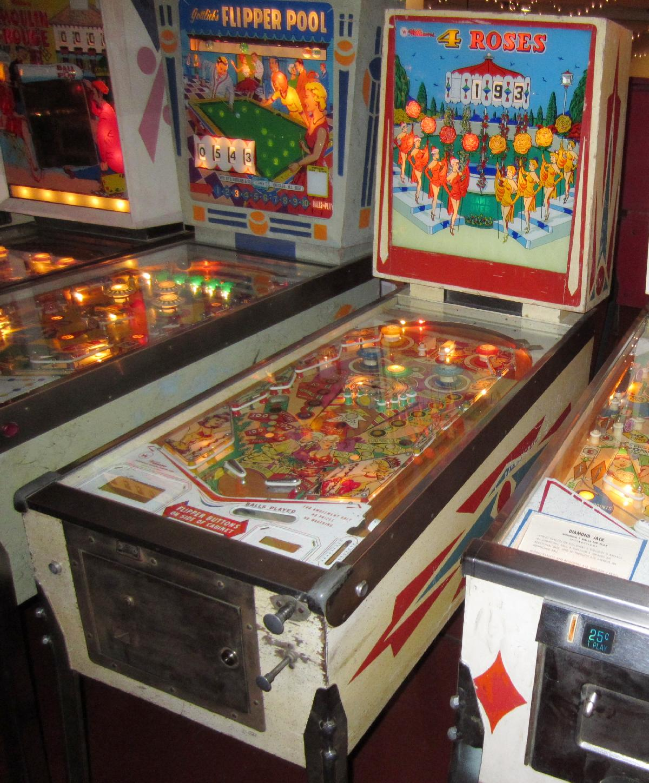 Williams Four Roses Pinball Machine Arcade 1958